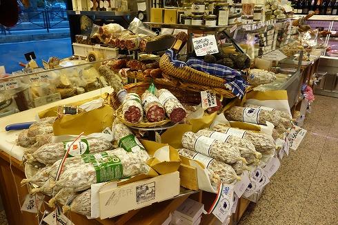 テスタッチョの食材店VOLPETTI_a0152501_13371558.jpg