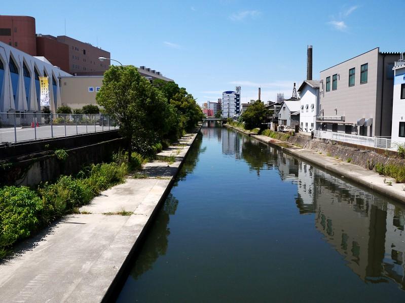 川のある風景_b0093754_0523968.jpg