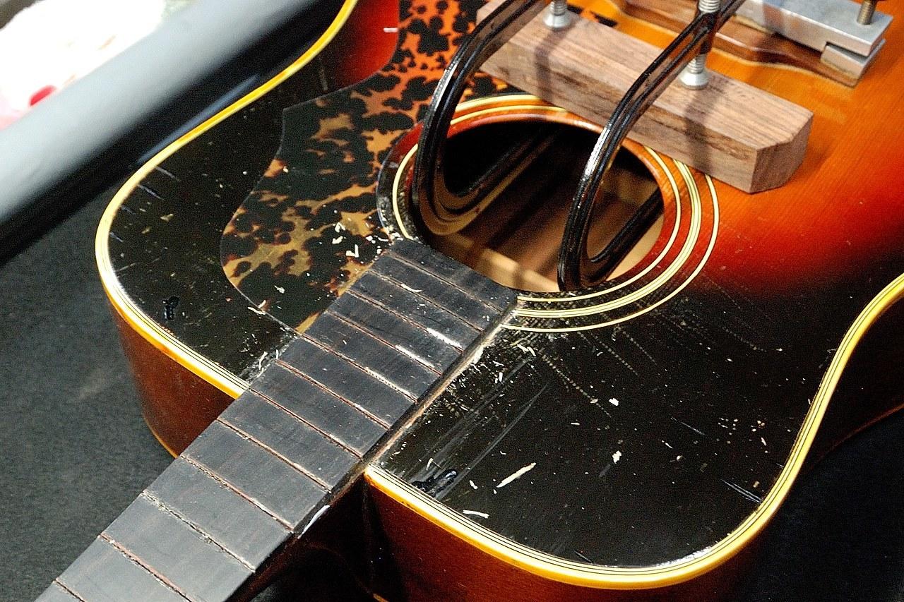 茶木ギター修理_c0330563_22365771.jpg