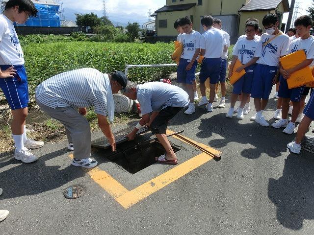 9月1日は吉原二中生の受け入れと消火栓を使った放水訓練実施_f0141310_6182885.jpg