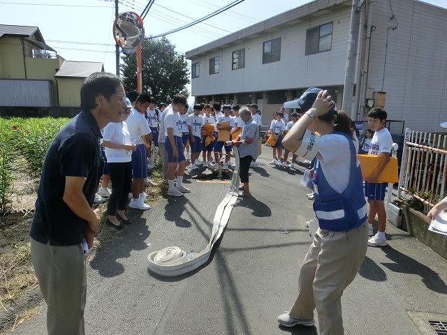 9月1日は吉原二中生の受け入れと消火栓を使った放水訓練実施_f0141310_6185784.jpg