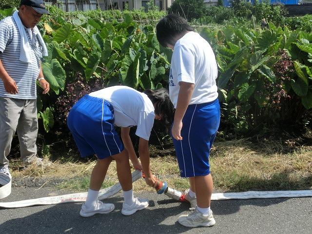 9月1日は吉原二中生の受け入れと消火栓を使った放水訓練実施_f0141310_6194969.jpg