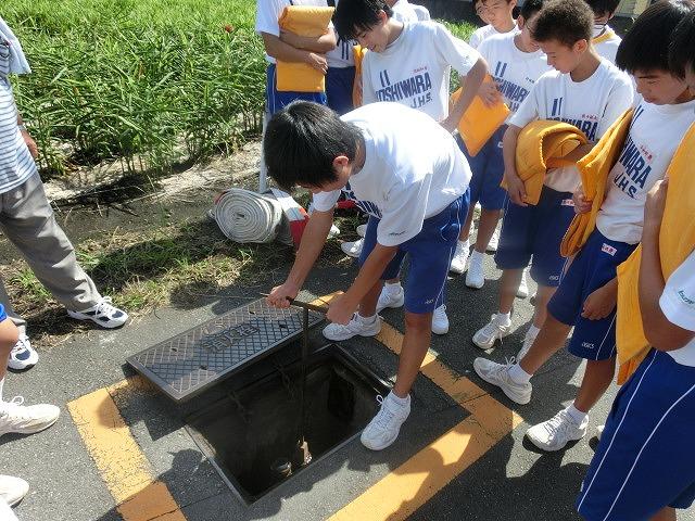9月1日は吉原二中生の受け入れと消火栓を使った放水訓練実施_f0141310_6201830.jpg