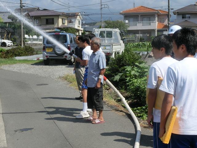 9月1日は吉原二中生の受け入れと消火栓を使った放水訓練実施_f0141310_620338.jpg