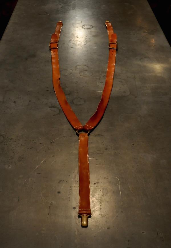 leather suspenders_b0172633_212958100.jpg