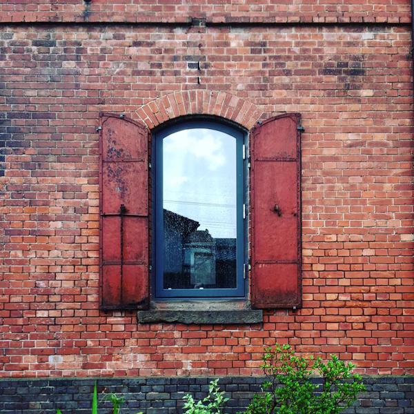 旧本庄商業銀行煉瓦倉庫 / iPhone 6_c0334533_11313115.jpg