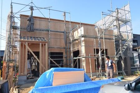 構造用合板貼り(建築基準法の耐震強度の約3倍の強度で設計)_a0152040_23542729.jpg