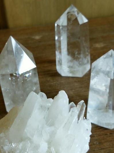水晶六角柱と原石についてお知らせ_f0255704_01514235.jpg