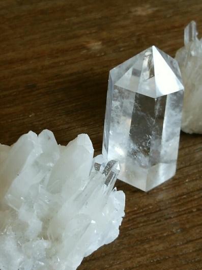 水晶六角柱と原石についてお知らせ_f0255704_02054764.jpg