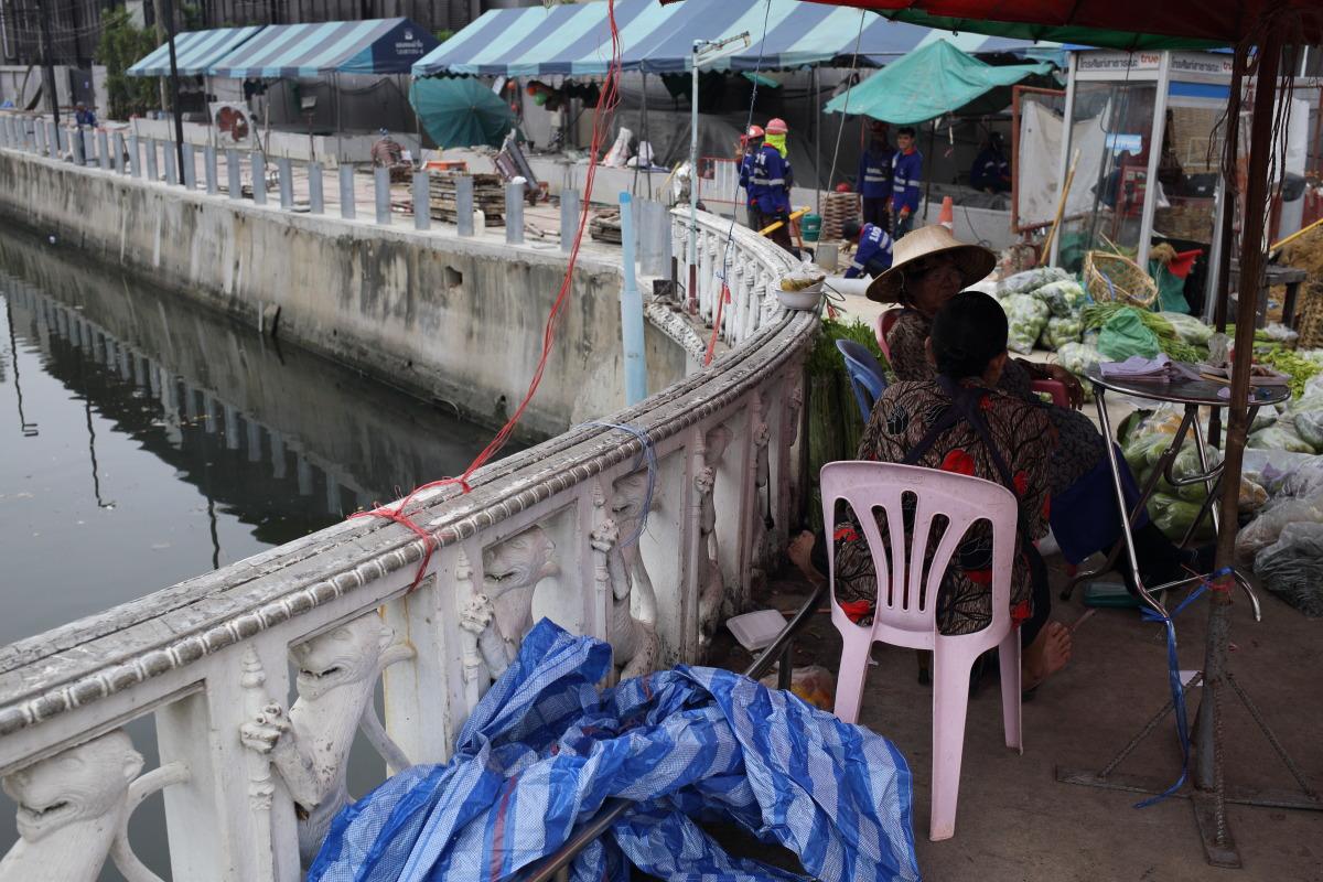 バンコク  ロート運河とラーチニー船着場_b0061717_09413.jpg