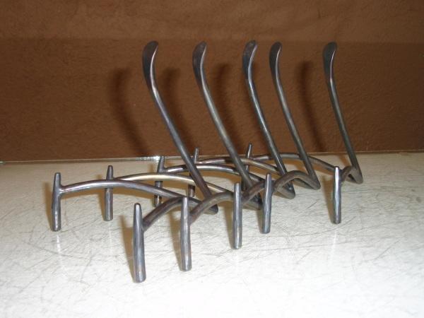 鉄の皿立て_b0132442_16273070.jpg