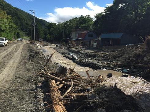 岩泉町中心部から寸断された小川地区周辺〜盛岡からの後方支援を〜_b0199244_437436.jpg