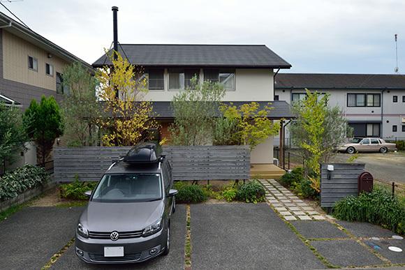 築7年目の木の家見学会 「通り庭に薪ストーブのある家」_e0164563_15025059.jpg
