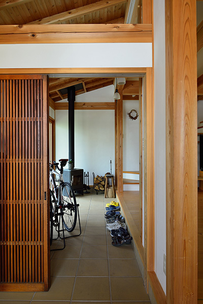 築7年目の木の家見学会 「通り庭に薪ストーブのある家」_e0164563_15025124.jpg