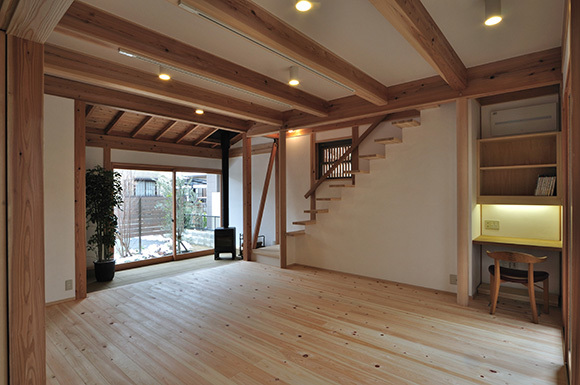 築7年目の木の家見学会 「通り庭に薪ストーブのある家」_e0164563_15073563.jpg