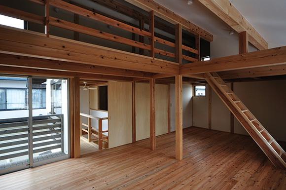 築7年目の木の家見学会 「通り庭に薪ストーブのある家」_e0164563_15100075.jpg