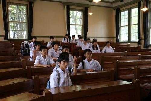 米沢市立第五中学校1年生69人が重文本館を見学・3 : 米沢より愛を ...