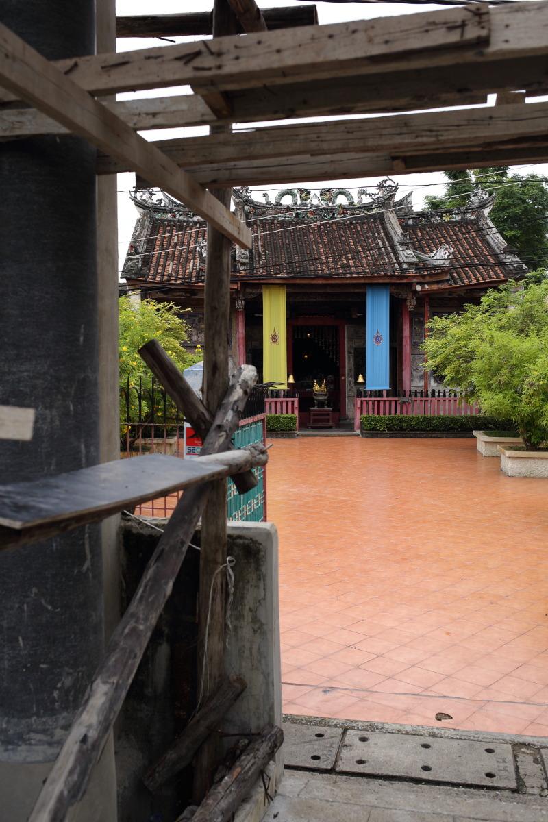 バンコク  建安宮、トンブリーに残る初期中国移民の足跡_b0061717_22173138.jpg