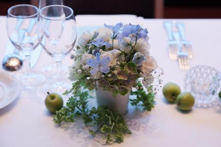 夏の装花 ブラッスリー ポール・ボキューズ銀座様へ  台風の日に_a0042928_14133368.jpg