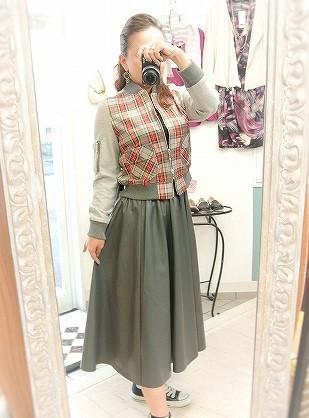 MA-1とレザーのスカート_a0159045_00344899.jpg