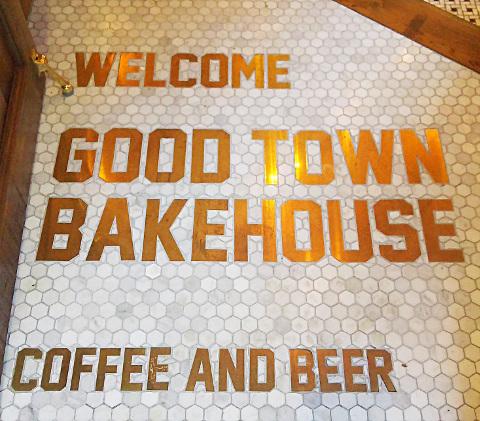 アメリカを感じに♪「GOOD TOWN BAKEHOUSE(グッドタウンベイクハウス)」@代々木上原_b0051666_7213539.jpg
