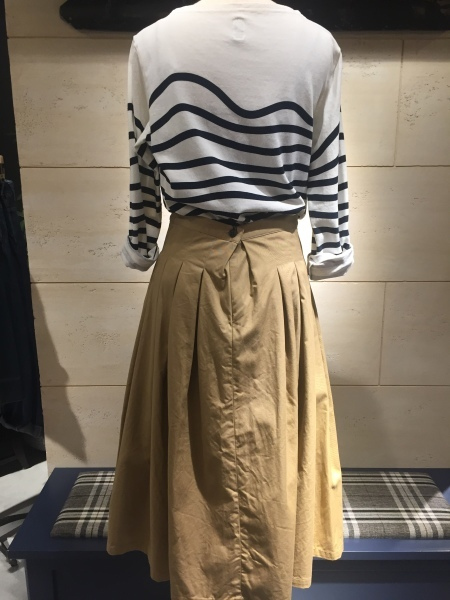 GRANDMA MAMA DAUGHTER chino pleat skirt、KATO`striped top_f0369188_14572130.jpg
