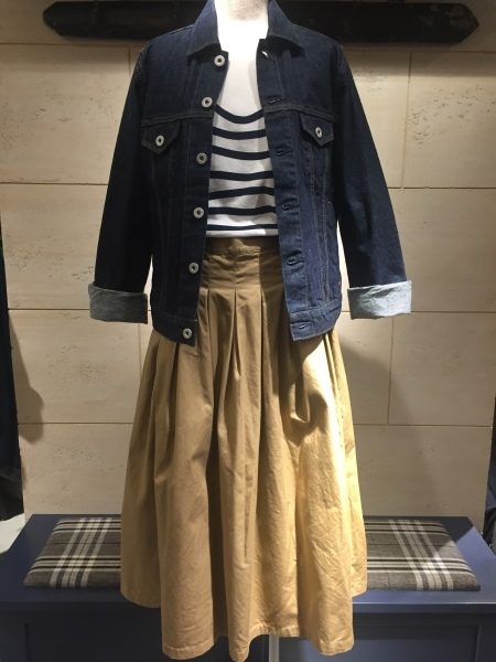 GRANDMA MAMA DAUGHTER chino pleat skirt、KATO`striped top_f0369188_15032847.jpg