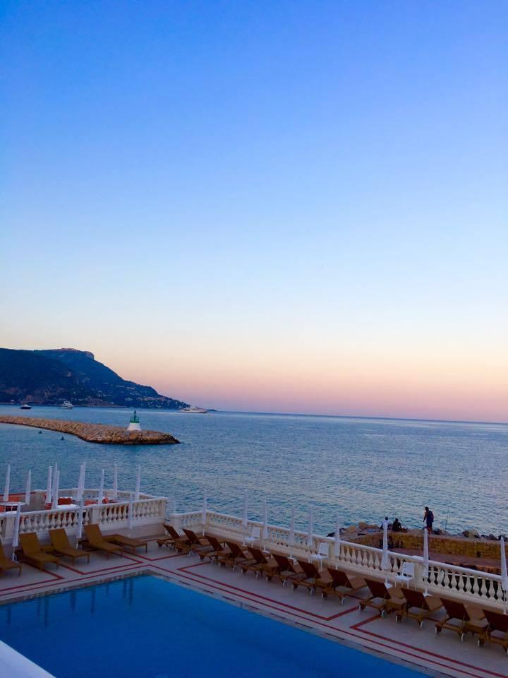 南仏の旅2016~ミシュラン2つ星☆☆「ラ レゼルヴ」で最高のサンセットディナー_a0138976_16410095.jpg