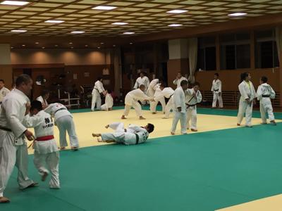 東福岡柔道教室の皆さんお世話になります☆_b0172494_23245179.jpg