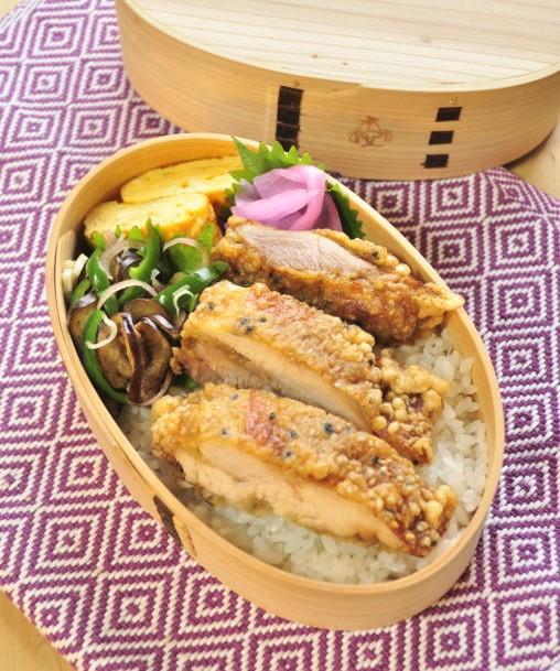 カリ!っと胡麻衣鶏のお弁当_b0171098_9115376.jpg