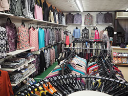 地域一番店は、お客様と心のかよったおもてなし <ファミリーショップきざき>_e0175370_13403673.jpg