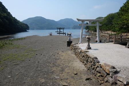 国境の島を訪ねて(11)神秘の和多都美神社_c0013687_2219754.jpg