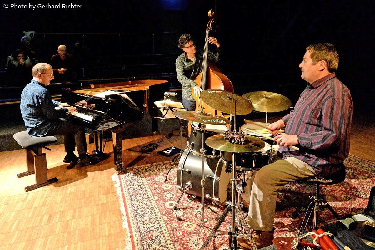 Cholet-Känzig-Papaux Trio (ショレ、ケンチッヒ、パポー トリオ) 、本日、上越公演_e0081206_1251142.jpg