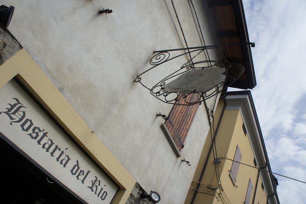 イタリア日記(2012) バルサミコ酢_c0180686_23243999.jpg