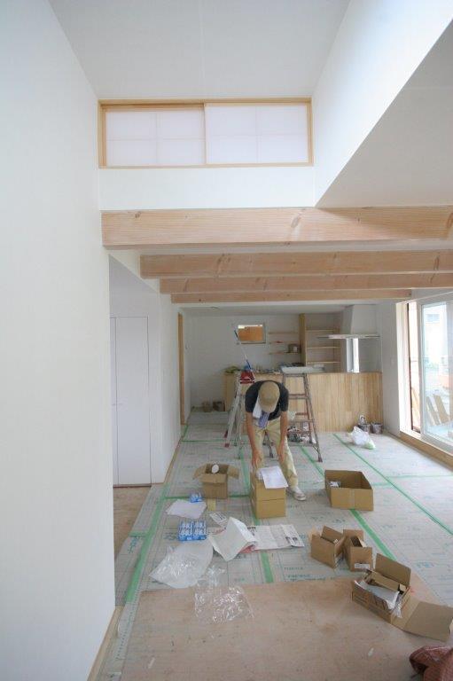 空間の調和と梁塗装_b0349892_21584652.jpg