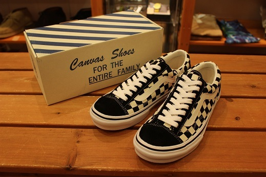 "世界同時限定販売 ""VANS 50th ANNIVERSARY V360G OLD SKOOL\"" ご紹介 _f0191324_08573671.jpg"