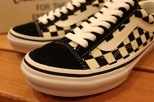 "世界同時限定販売 ""VANS 50th ANNIVERSARY V360G OLD SKOOL\"" ご紹介 _f0191324_08574196.jpg"
