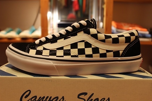 "世界同時限定販売 ""VANS 50th ANNIVERSARY V360G OLD SKOOL\"" ご紹介 _f0191324_08574642.jpg"