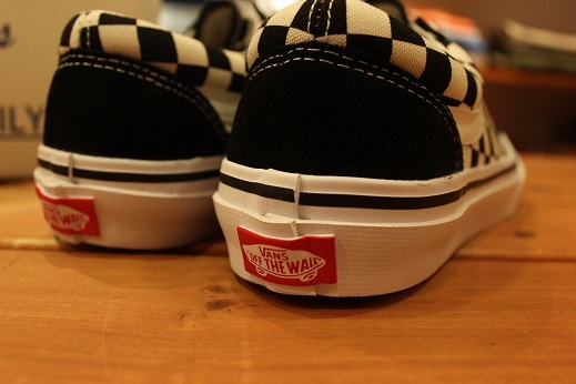 "世界同時限定販売 ""VANS 50th ANNIVERSARY V360G OLD SKOOL\"" ご紹介 _f0191324_08575103.jpg"