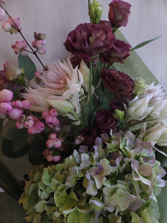 オークリーフ(秋色紫陽花とセルリアと・・)_f0049672_1752442.jpg