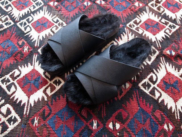 MAISON EUREKA RABBIT FUR CROSS OVER BLACK_f0111683_13052222.jpg
