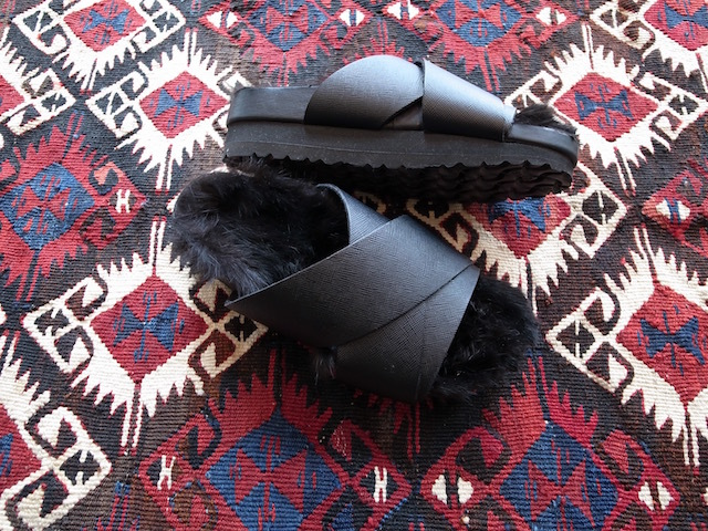 MAISON EUREKA RABBIT FUR CROSS OVER BLACK_f0111683_13052389.jpg