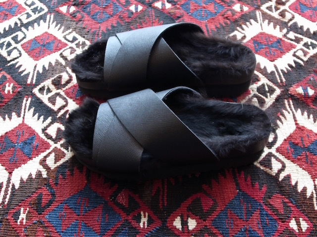 MAISON EUREKA RABBIT FUR CROSS OVER BLACK_f0111683_13052800.jpg