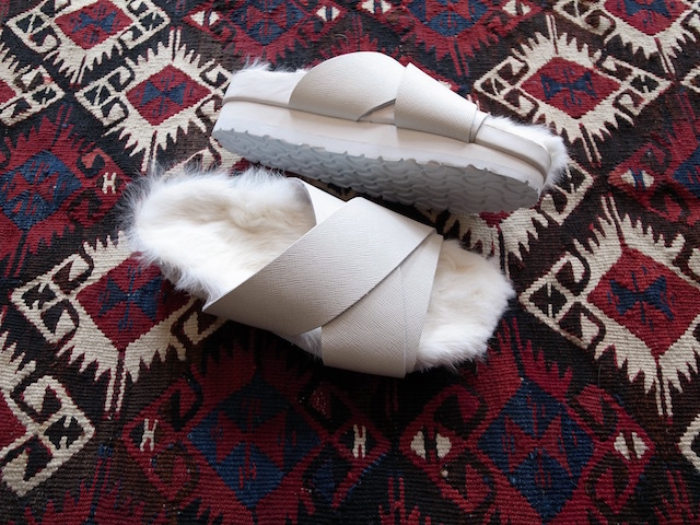 MAISON EUREKA RABBIT FUR CROSS OVER WHITE_f0111683_13063199.jpg