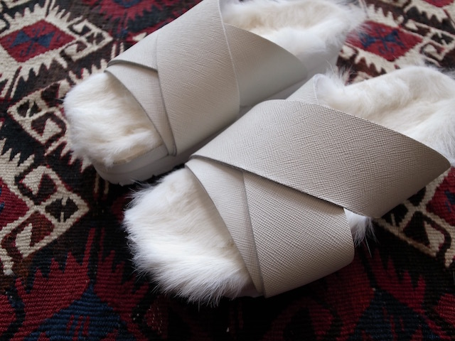 MAISON EUREKA RABBIT FUR CROSS OVER WHITE_f0111683_13063320.jpg