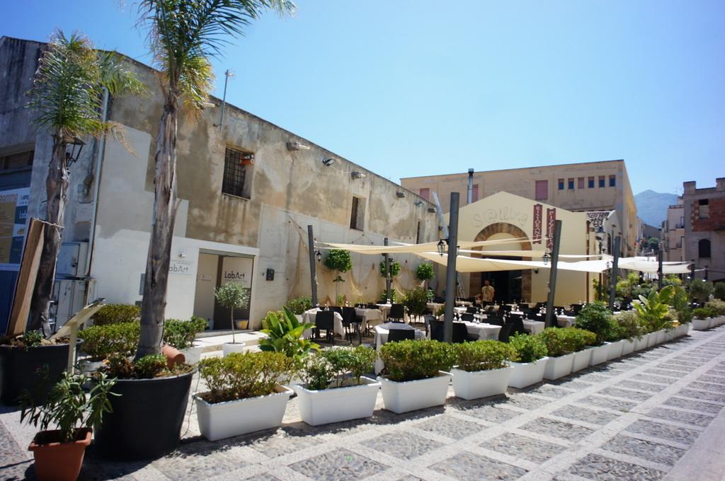 (続) PalermoからTrapani_c0180686_17084296.jpg