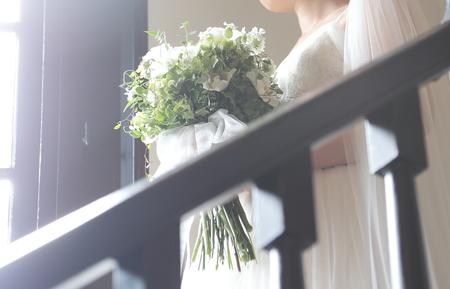 クラッチブーケ シェ松尾松濤レストラン様へ 茎を長めに束ねた緑たくさんのブーケ_a0042928_21224114.jpg