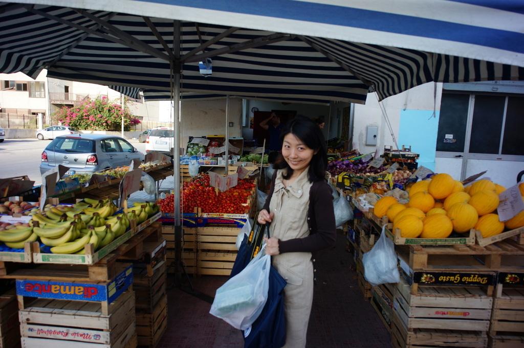 シチリア日記 Trapaniの魚市場_c0180686_16501859.jpg