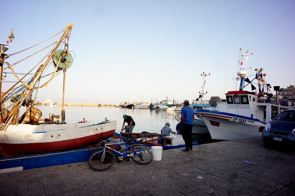 シチリア日記 Trapaniの魚市場_c0180686_16574384.jpg