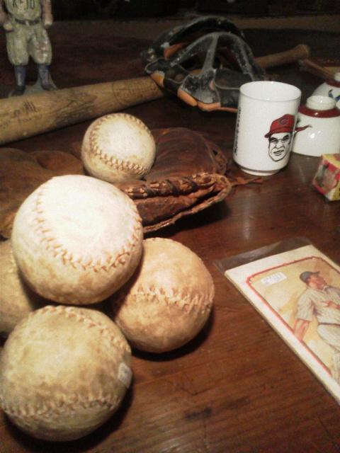 野球もの_e0350308_8184767.jpg
